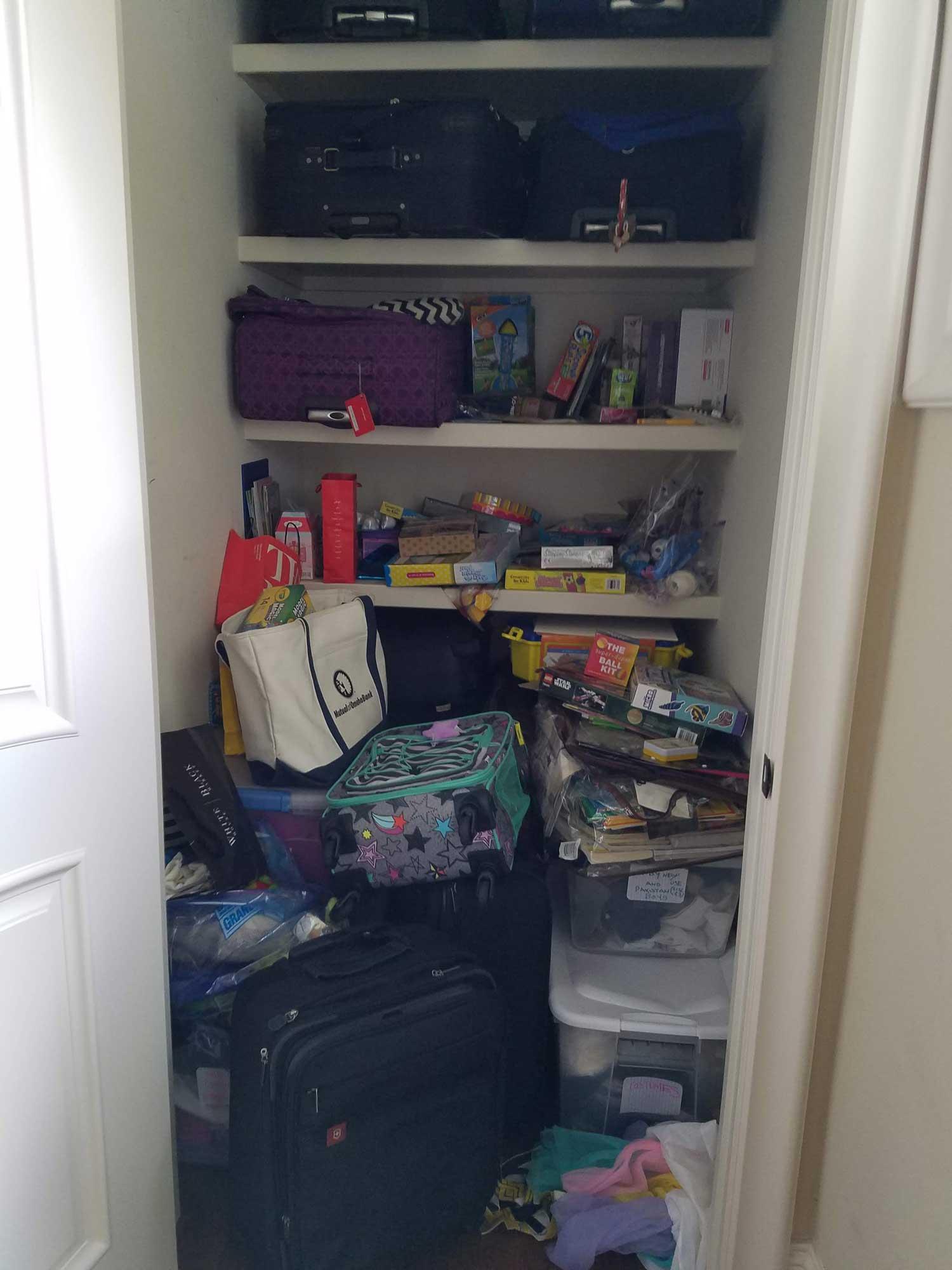Closet Organization Before 1